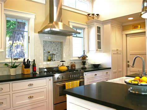 Hgtv Kitchens With White Cabinets Kitchen Ideas Design Cabinets Islands Backsplashes Hgtv Tile Backsplash Pictures Tips Tips