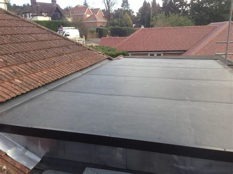 cost to re shingle garage roof