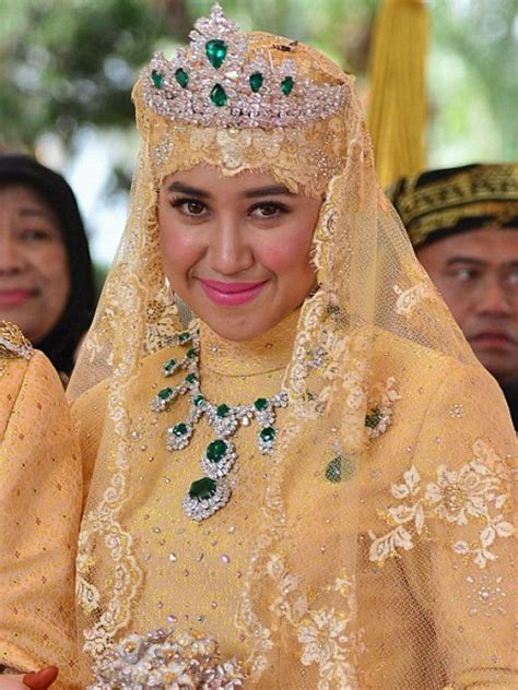 sultan hassanal bolkiah wives 100 sultan hassanal bolkiah wives world u0027s