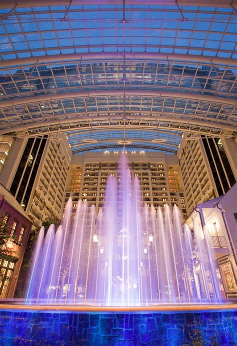 indoor fountain with light gaylord hotel national harbor 3 piece jazz ensemble and