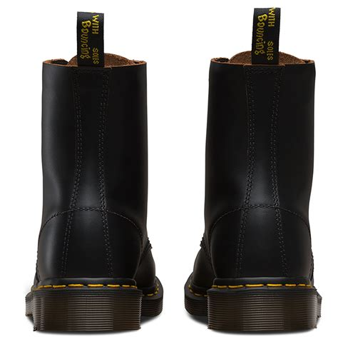 Dr Martens Vintage 1460 Boot 8 B dr martens 1460 made in vintage collection 8 eye
