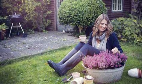 winter garden projects winter gardening tips from alan titchmarsh garden
