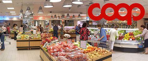 scaffalista supermercato coop accelera sull ecommerce ed apre meno negozi fisici