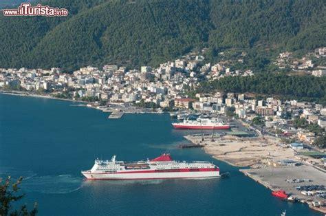 porto della grecia igoumenitsa il porto della grecia e le sue spiagge