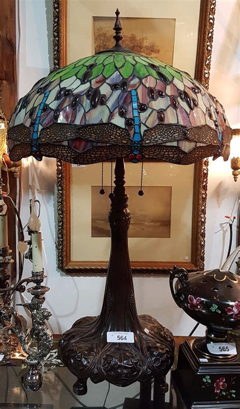 tiffany style dragonfly table l tiffany style stained glass dragonfly table lamp