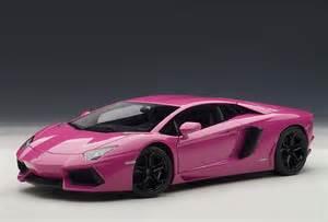 Pink And Blue Lamborghini Autoart 1 18 Scale Lamborghini Aventador Lp700 4