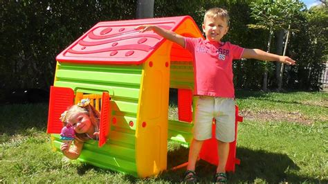 Kid Roma Salur R roma and diana pretend play with playhouse for