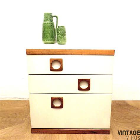 Dress Klep vintage dressoirkastje met 2 lades en klep vintage virus