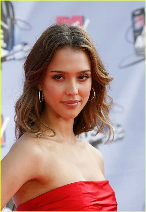 focused on the future jessica alba liked what she saw on thursday as jessica alba hair transformation the star goes ombre