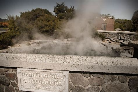 Things to do in New Zealand ? Rotorua?s Geothermal Parks