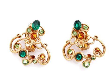 buy earrings a really helpful guide to buy earrings for sensitive ears