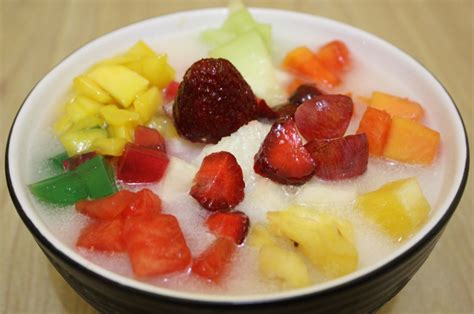 membuat sop buah sederhana es buah