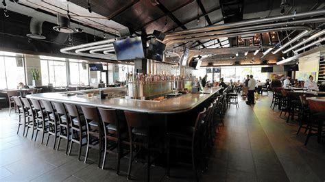 Yard House Brings Beer Rock N Roll To Darden Restaurants Orlando Sentinel