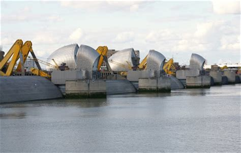 thames barrier falling radial gates caroline s miscellany thames barrier annual closure