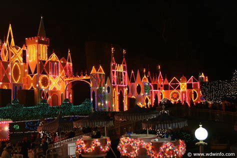 christmas decorations at the disneyland resort img 9432