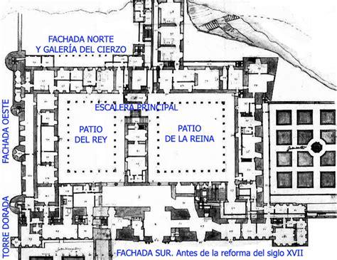 Un Patio En Santa Cruz Sevilla Plano Del Alczar