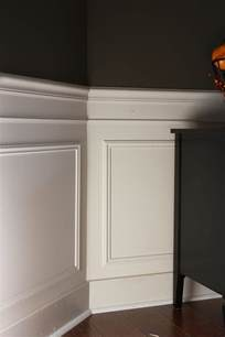 Wainscoting Picture Frame Molding the yellow cape cod 31 days of character building picture frame molding