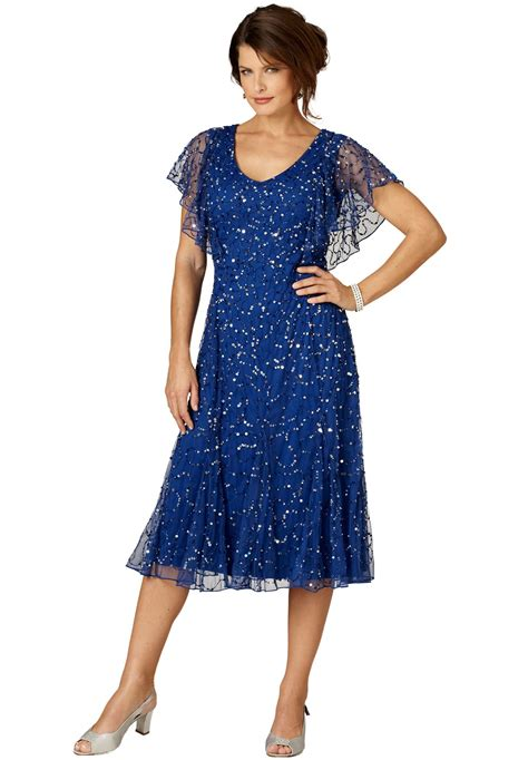 plus size cocktail dress with sleeves 20 plus size evening dresses to look like queen magment