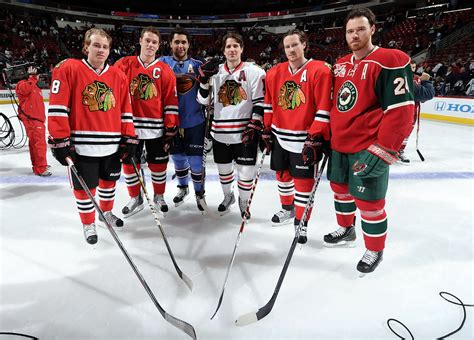toews and kane fight on bench hockey on pinterest jonathan toews patrick sharp and