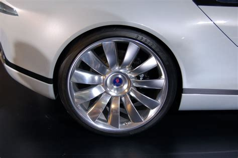 saab aero x rims concept cars car pictures by carjunky 174