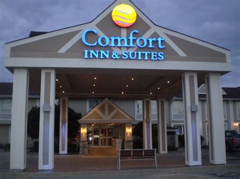 comfort inn ontario comfort inn suites updated 2017 reviews photos