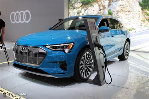 Audi Electric Suv 2020 by 2020 Audi Etron Electric Suv At The 2019 New York Auto