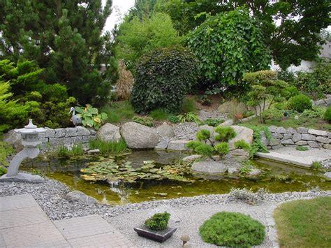Wasser Und Steine Gartengestaltung by Gartengestaltung Mit Wasser Steinen Und Pflanzen