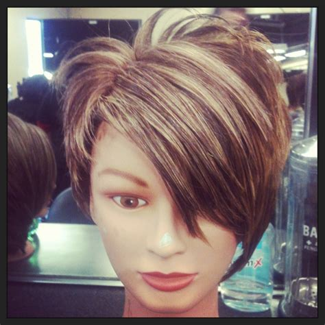 pixie blonde hair with brown low lights pixie haircut highlights short pixie haircuts