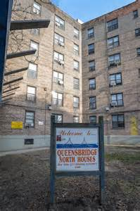 queensbridge housing projects mobb deep comes back to queensbridge ny daily news
