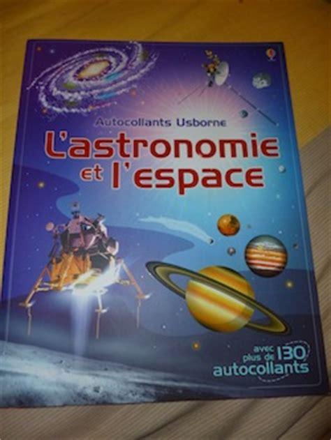 1409592146 l espace autocollants usborne voyage dans l espace avec vid 233 o liyah fr livre