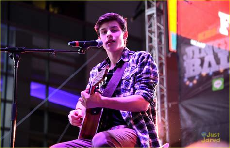 theme line shawn mendes shawn mendes is the life of the party at kiis fm s