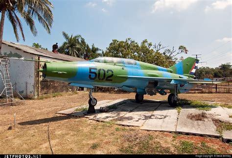 air b b cuba 502 mikoyan gurevich mig 21um lancer b cuba air