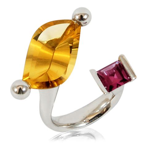 Pyrope Garnet Quartz goldflame ring with citrine and pyrope garnet