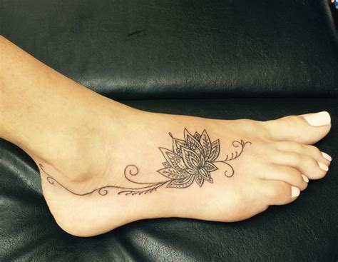 tattoos on your feet designs best 25 foot tattoos ideas on