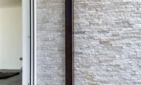 pittura naturale per interni scaglia rivestimento in pietra naturale by b b