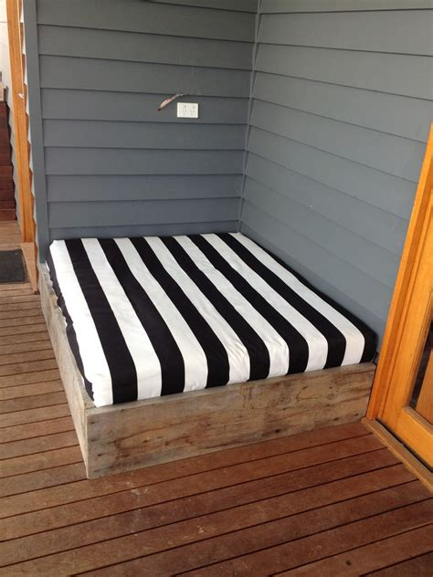 how to build a day bed make a day bed from reclaimed timber the owner builder