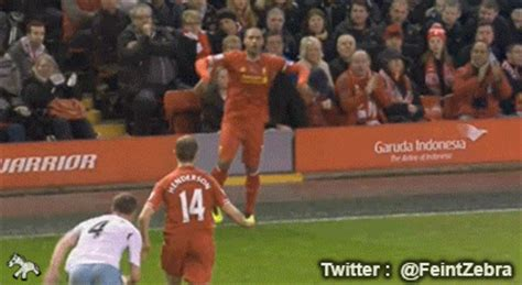 west ham s kevin nolan sent for a foul on liverpool