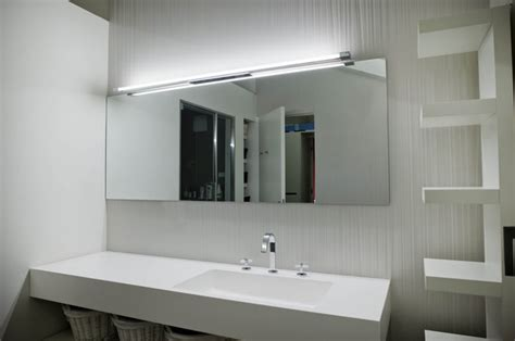 luce sopra specchio bagno sopra specchio bagno sweetwaterrescue