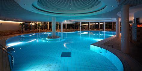 Wine Cellar Bar - sauna and pool paradise