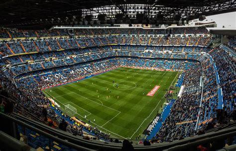 stadio santiago bernabeu di madrid calcio museo ristorante a madrid apre un hotel di lusso con vista sullo stadio