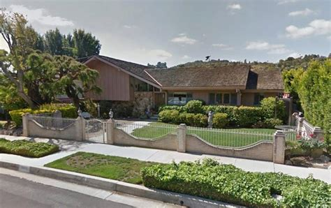 brady bunch house brady bunch house ransacked by burglars police ny daily news