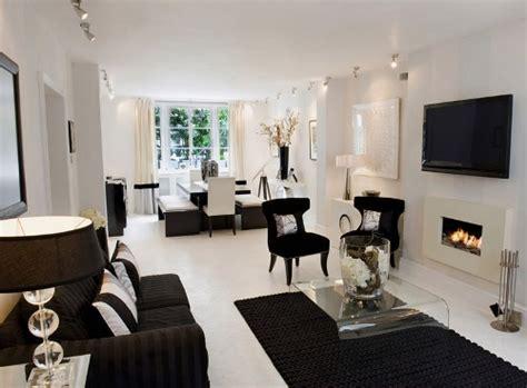 Kursi Keramas Ungu Putih 3 ide interior ruang tamu minimalis hitam putih