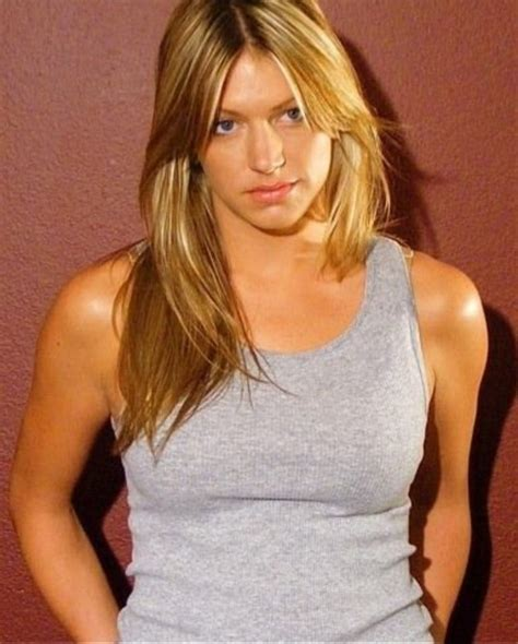 picture of jes macallan