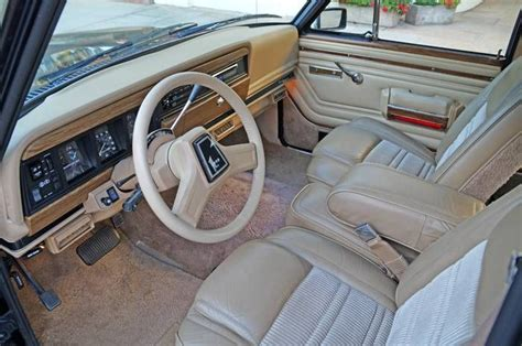 1989 jeep wagoneer interior 1990 jeep grand wagoneer old rides 2 pinterest cus d