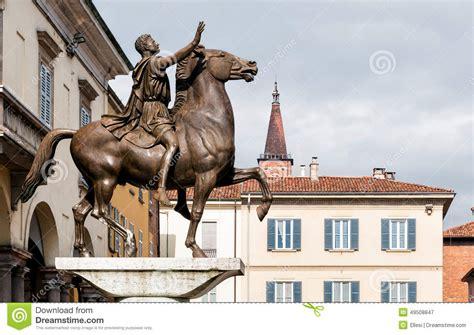 il mattone pavia monumento di regisole di pavia italia immagine stock