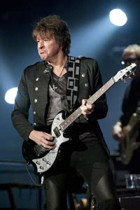 Is Richie Back In Rehab by Richie Sambora Goes Back To Rehab