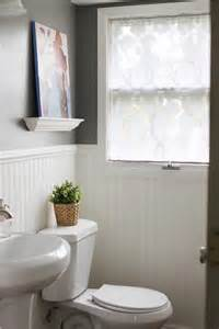 Bathroom Curtain Ideas For Windows by 1000 Ideas About Bathroom Window Curtains On Pinterest