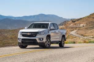 2017 chevrolet colorado gets updated with v6 and 8 speed