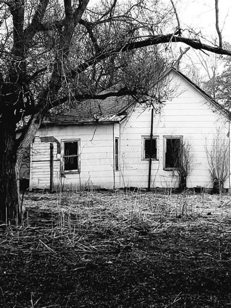 Old White Clapboard Farmhouse Stock Photos - Download 19