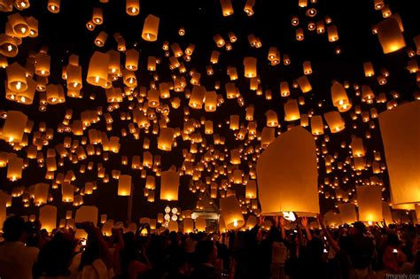 candele volanti pingxi lantern festival pictures and images